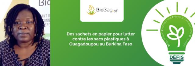 Des sachets en papier pour lutter contre les sacs plastiques à Ouagadougou au Burkina Faso